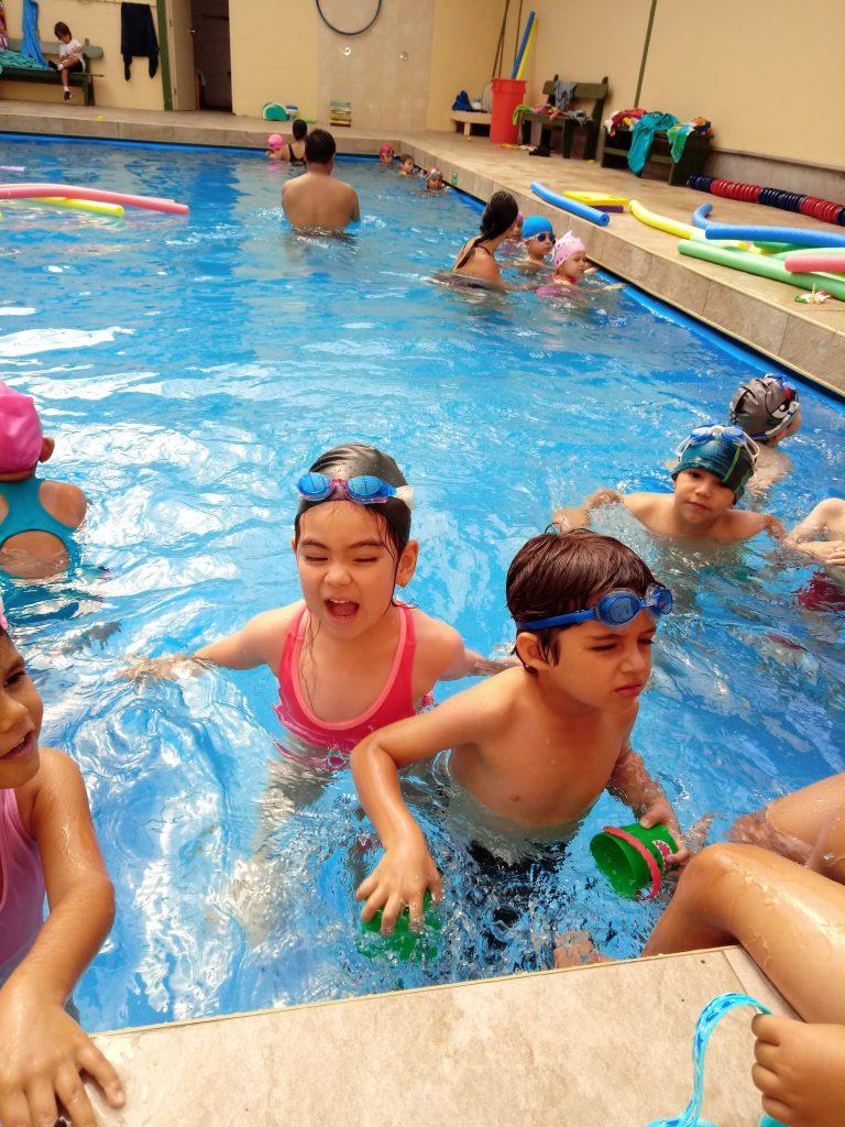 Pre Kínder: En clase de natación